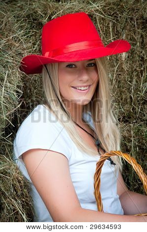 Country Girl en el Haybarn