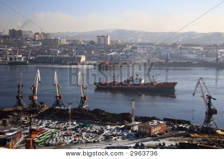 Vladivostok, Golden Horn Bay