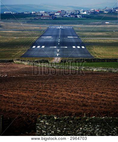 Runway33