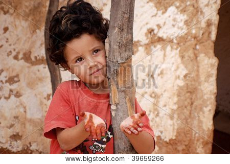 young child living in troglodyte and every house