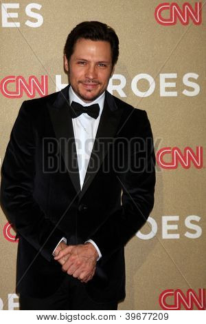 LOS ANGELES - DEC 2:  Nick Wechsler arrives to the 2012 CNN Heroes Awards at Shrine Auditorium on December 2, 2012 in Los Angeles, CA