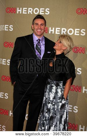 LOS ANGELES - DEC 2:  Kurt Warner arrives to the 2012 CNN Heroes Awards at Shrine Auditorium on December 2, 2012 in Los Angeles, CA