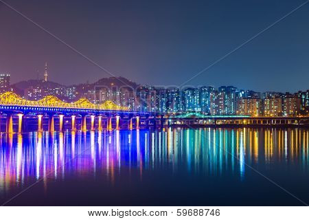 Han river in Seoul city at night