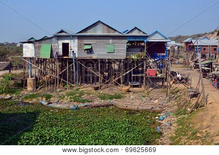 Typical village on the Tonle Sap river