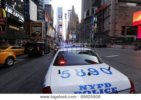 NYPD Squad Car with emergency signal