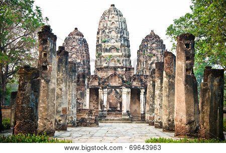 Wat Si Sawai - Ancient Buddhist Temple.