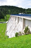pic of dam  - view of the dam and concrete dam - JPG