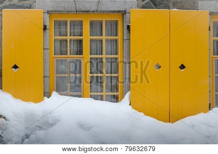 House In Snowdrift