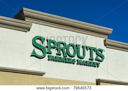 Sprouts Farmers Market Exterior