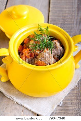 Meat And Carrot Stew