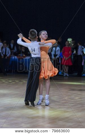Pislyak Michail and Parhimovich Mariya perform Juvenile-1 Standard European program