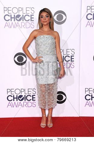 LOS ANGELES - JAN 07:  Sarah Hyland arrives to the People's Choice Awards 2014  on January 7, 2015 in Los Angeles, CA