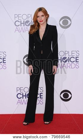 LOS ANGELES - JAN 07:  Bella Thorne arrives to the People's Choice Awards 2014  on January 7, 2015 in Los Angeles, CA