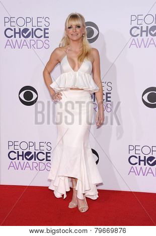 LOS ANGELES - JAN 07:  Anna Faris arrives to the People's Choice Awards 2014  on January 7, 2015 in Los Angeles, CA