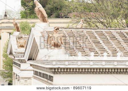 Heraldic Animals On The Roof Of A Temple