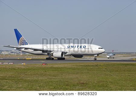 Frankfurt Airport - Boeing 777 Of United Airlines Takes Off