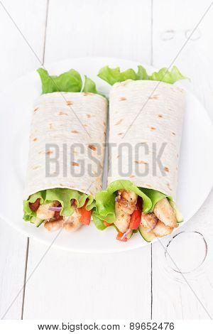 Wrap Sandwiches With Chicken And Vegetables