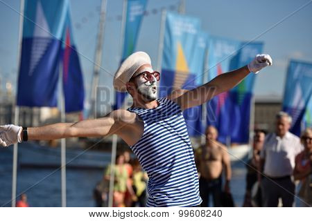 ST. PETERSBURG, RUSSIA - AUGUST 15, 2015: Dancers participate in the Sea Music festival during the International marine festival. The fest is the main event of the Great St. Petersburg Sailing Week