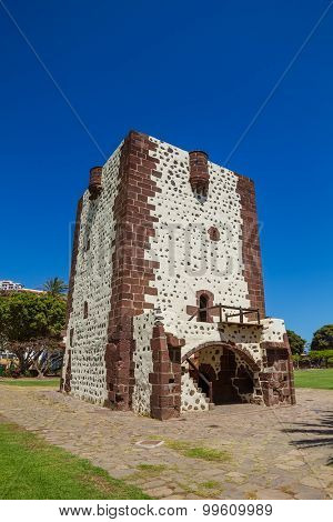 Tower Torre Del Conde (The Count's Tower) In San Sebastian at La Gomera, Canary islands, Spain. The oldest military fort in the Canaries built in 1450 and Christopher Columbus' last port of call.
