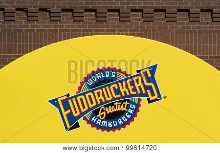 Fuddruckers Restaurant Exterior And Sign.