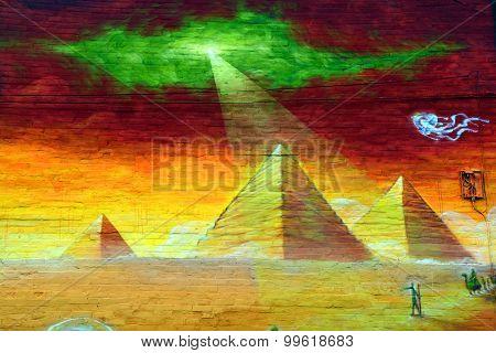 Street art piramids