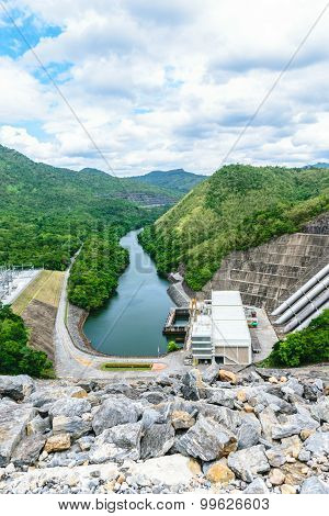 Srinakarin Dam