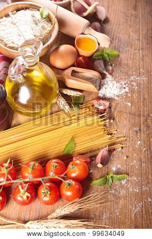 spaghetti,egg,cooking oil and ingredient