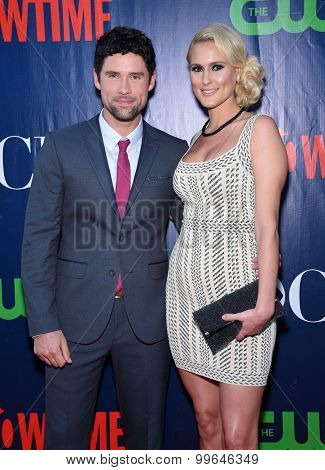 LOS ANGELES - AUG 10:  Ben Hollingsworth & Nila Myers arrives to the Summer 2015 TCA's - CBS, The CW & Showtime  on August 10, 2015 in West Hollywood, CA