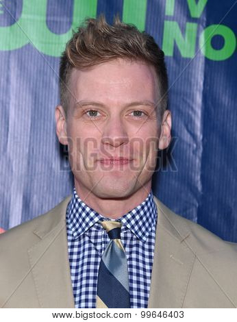 LOS ANGELES - AUG 10:  Barrett Foa arrives to the Summer 2015 TCA's - CBS, The CW & Showtime  on August 10, 2015 in West Hollywood, CA