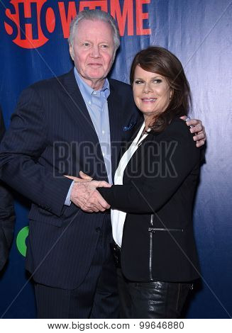LOS ANGELES - AUG 10:  Jon Voight & Marcia Gay Harden arrives to the Summer 2015 TCA's - CBS, The CW & Showtime  on August 10, 2015 in West Hollywood, CA