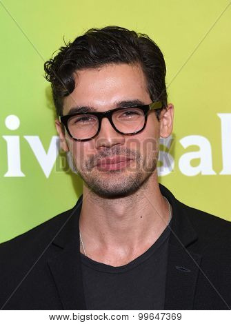 LOS ANGELES - AUG 12:  Steven Strait arrives to the arrives to the Summer 2015 TCA's - NBCUniversal  on August 12, 2015 in Beverly Hills, CA