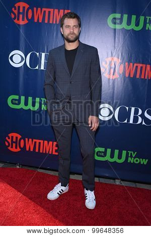 LOS ANGELES - AUG 10:  Joshua Jackson arrives to the Summer 2015 TCA's - CBS, The CW & Showtime  on August 10, 2015 in West Hollywood, CA