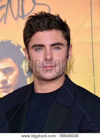 LOS ANGELES - AUG 20:  Zac Efron arrives to the