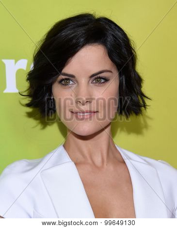 LOS ANGELES - AUG 12:  Jaimie Alexander arrives to the arrives to the Summer 2015 TCA's - NBCUniversal  on August 12, 2015 in Beverly Hills, CA