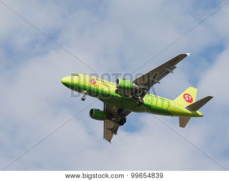 Passenger Airbus A319-114 S7 Airlines
