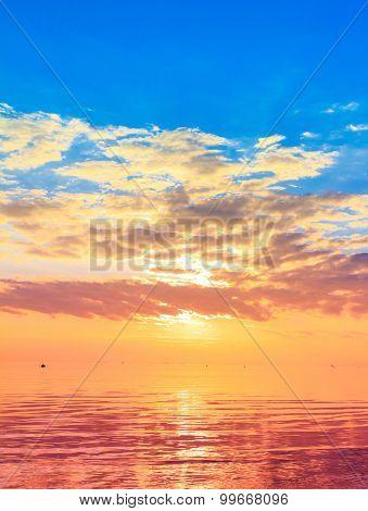 Paradise Panorama Rising