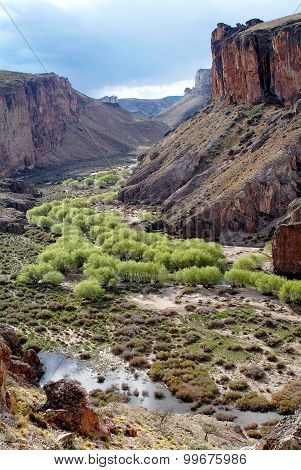 Pinturas River Canyon, in Argentina (Cave of the Hands)