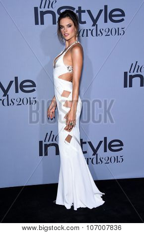 LOS ANGELES - OCT 26:  Alessandra Ambrosio arrives to the InStyle Awards 2015  on October 26, 2015 in Hollywood, CA.