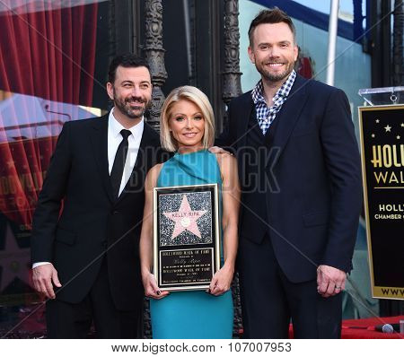 LOS ANGELES - OCT 12:  Jimmy Kimmel, Kelly Ripa & Joel McHale arrives to the Walk of Fame honors Kelly Ripa on October 12, 2015 in Hollywood, CA.