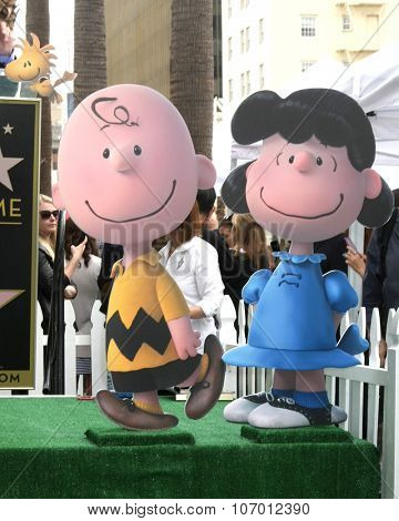LOS ANGELES - NOV 2:  Charlie Brown, Lucy at the Snoopy Hollywood Walk of Fame Ceremony at the Hollywood Walk of Fame on November 2, 2015 in Los Angeles, CA