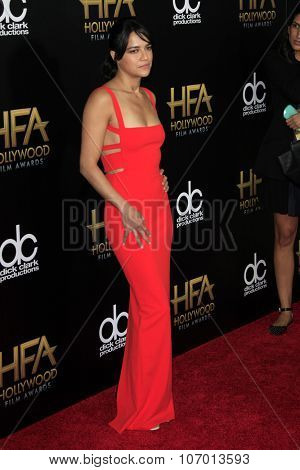 LOS ANGELES - NOV 1:  Michelle Rodriguez at the 19th Annual Hollywood Film Awards at the Beverly Hilton Hotel on November 1, 2015 in Beverly Hills, CA