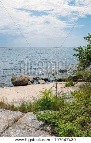 Rocky Archipelago Beach (vert)