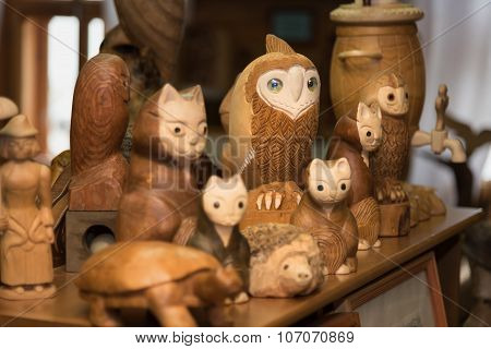 Wood Carvings Handmade Product