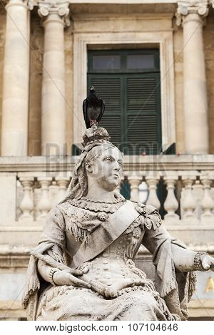 Sculpture Of Queen Victoria With Pigeon In Capital Of Malta- Valletta, Europe