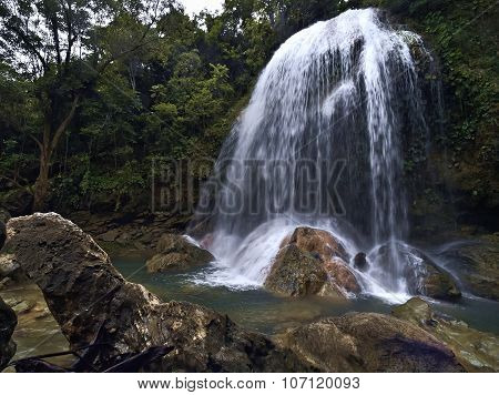 Soroa Waterfall