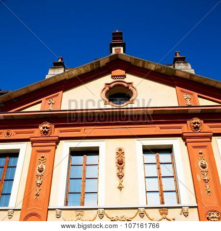 Culture Old Architecture In Italy Europe Milan Religion       And Sunlight