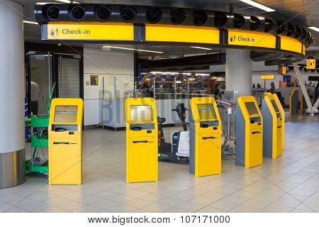 Self Check-in Airport