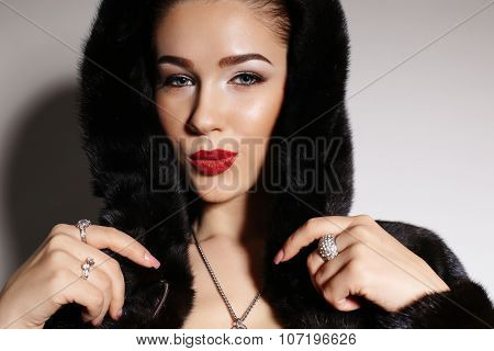 Gorgeous Sensual Woman With Elegant Hairstyle,wears Fur Coat