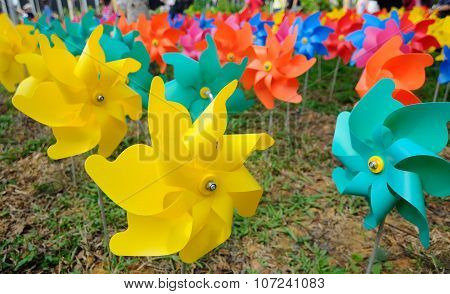 A group of toys flower windmill