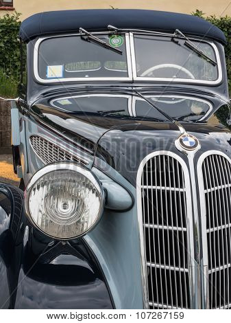 Bmw Retro Vintage Car Front View Detail